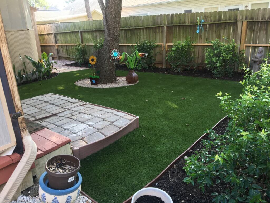 Flowers with the Best Artificial Grass - amazing turf